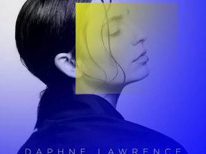 Η Daphne Lawrence, η νέα ιδιαίτερα φρέσκια και ταλαντούχα τραγουδίστρια και δημιουργός, κυκλοφορεί και…